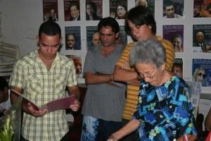 Blogueros en casa de María Orquídea durante nuestro viaje a Cienfuegos y El Nicho